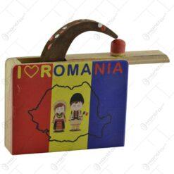 """Jucarie """"Cutia cu sarpe"""" realizata din lemn - """" I Love Romania"""""""