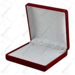 Cutie pentru bijuterii invelita in catifea