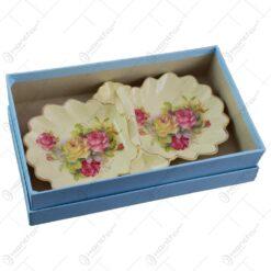 Platou cu maner cu 2 compartimente realizat din ceramica cu marginile poleite - Design Trandafiri (25cm)