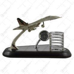 Suport pentru instrumente de scris cu ceas analogic - Design cu avion