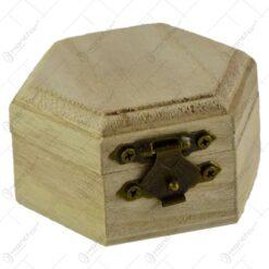 Cutie decorabila hexagonala din lemn 7x4 CM