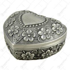 Cutie metalica pentru bijuterii in forma de inima - Design antic cu flori (Model 1)