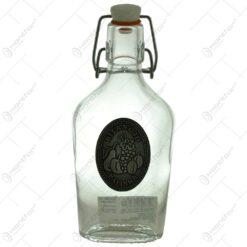 "Plosca realizata din sticla decorata cu placuta metalica - Design inscriptionat ""Bitang jo palinka"""