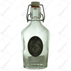 "Plosca realizata din sticla decorata cu placuta metalica - Design inscriptionat ""Igazi palinka"""