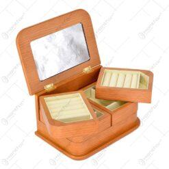 Cutie pentru bijuterie realizata din lemn