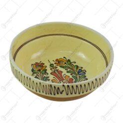 Bol din ceramica de Corund pictat cu motive populare in diferite culori