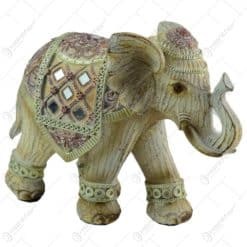 Figurina realizata din rasina in forma de elefant (Model 6)