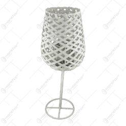 Candela in forma de pahar realizata din metal si ratan (Model 3)