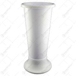 Vaza inalta realizata din plastic - Alb (Model 2)