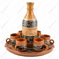 Set tuica ceramica cu platou. 6 canite si sticla. bogat decorate cu motive populare