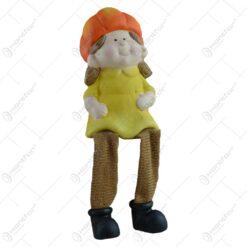 Figurina decorativa pentru toamna realizata din ceramica cu picioare din textil - Copil - 2 modele 10cm (Model 1)