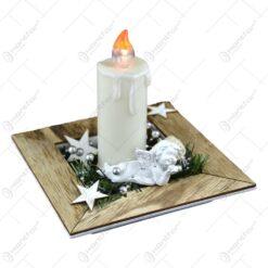 Ornament pentru masa de craciun - Suport patrat cu inger de ceramica si lumanare led alba