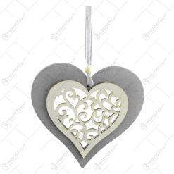 Decoratiune pentru geam realizata din lemn - Forma Inima/Stea - Argintiu