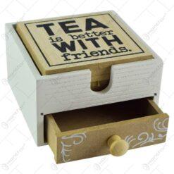 """Set 6 suporturi realizate din lemn pentru pahare - Desgin cu inscriptia """"Tea is better with friends"""""""