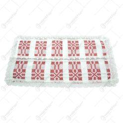 Servetel in forma dreptunghica. tesuta cu motive populare in dungi rosii si decorata cu dantele la margini si in mijloc - Alb-Rosu