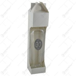 Sticla inalta. eleganta. in forma de hexagon cu gatul ingust si dop. cu decor embosat - 30