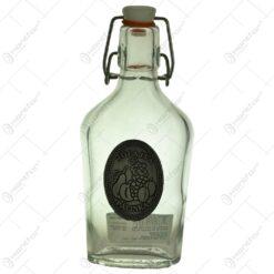 "Plosca realizata din sticla decorata cu placuta metalica - Design inscriptionat ""Jofajta palinka"""
