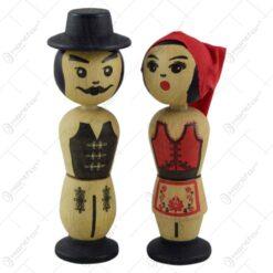 Figurina realizata din lemn cu talpa magnetica - Desing traditional - 2 modele Baiat/Fata
