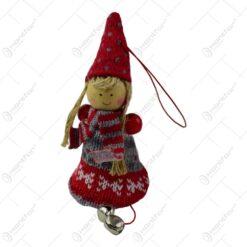 Figurina decorativa de agatat realizata din material textil si lemn pentru bradul de Craciun - Copil cu clopotel - Diverse modele