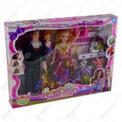 Set jucarie pentru fetite - Papusa cu familie si acesorii fashion