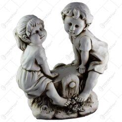 Statuie pentru gradina - Doi copii pe balansoar