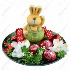 Platou decorativ pentru Pasti cu iepuras si oua colorate