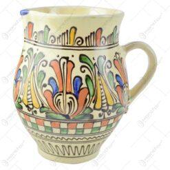 Carafa pentru vin din ceramica de Corund pictat cu motive populare