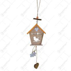 Decoratiune pentru usa realizata din lemn in forma de casuta de pasare - Design Welcome (Model 1)