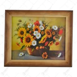 Tablou cu flori in rama realizata din lemn - Design Clasic