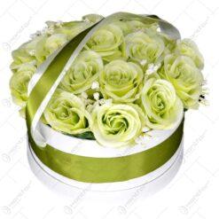 Cutie decorativa cu buchet de trandafiri artificiali - Mediu