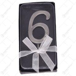 Ac cu numarul 6 realizat din staniu si decorat cu cristale - Pentru aniversari
