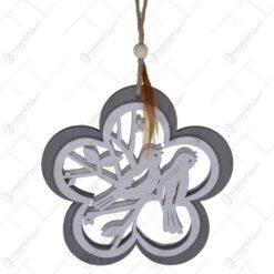 Decoratiune realizata din lemn in forma de floare - Design cu pasari