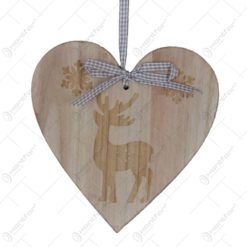 Decoratiune pentru usa realizata din lemn in forma de inima - Design cu ren si fulgi de nea