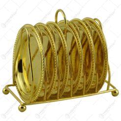 Set farfurii din metal ornamentate elegant si gravate cu decor elegant pe suport din inox cu maner - 6 fafurii - Elegant Metal