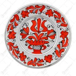 Farfurie pentru decor din ceramica si pictat cu motive populare