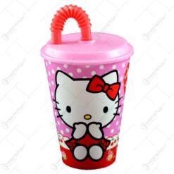 Pahar realizat din material plastic - Design Hello Kitty - Cu capac si pai