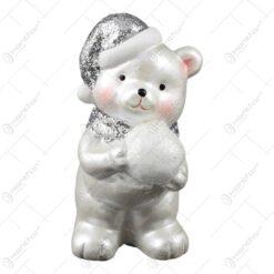 Figurina realizata din ceramica - Ursulet alb cu caciula si fular