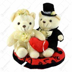 Cuplu de ursuleti relizate din plus cu inimioara -Valentine's Day