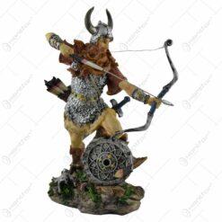 Figurina realizata din rasina - Design Cavaler cu sageata