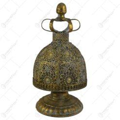 Candela cu maner realizata din metal auriu (Model 1)