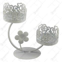 Sfesnic cu doua brate realizat din metal - Design vintage floral