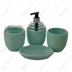 Set pentru baie realizat din plastic - Diverse culori