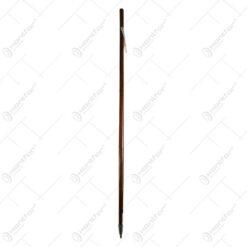 Baston realizat din lemn cu snur