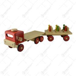 Camioneta cu remorca realizata din lemn