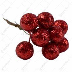 Pick decoratiune pentru Craciun - Bobite rosii