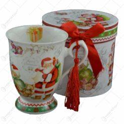 Cana de craciun realizata din ceramica in cutie cadou - Design Mos Craciun