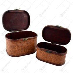 Set 2 cufere din lemn invelite in piele artificiala si embosate cu motive florale