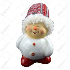 Figurina realizata din ceramica reprezentand un om de zapada ideala pentru decoratiunea de sarbatoare (Model 2)