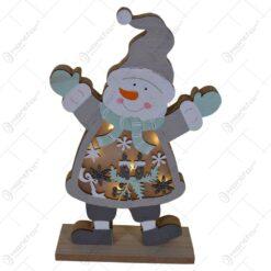 Decoratiune pentru masa cu led realizata din lemn in forma de om de zapada - Design cu lumanare si fulgi de nea (Model 2)