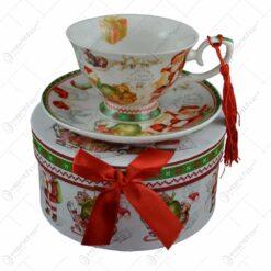 Ceasca cu farfurie de craciun din ceramica in cutie cadou - Design Mos Craciun